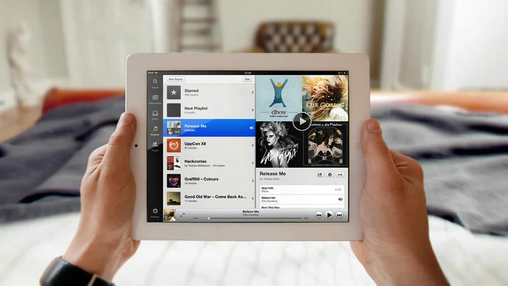 Spotify es un buen ejemplo de aplicación que ha sido bien diseñada en su versión de tablet