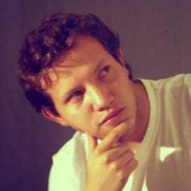 Retrato de Edgar Valencia