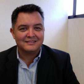 Retrato de César Arroyo
