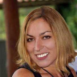 Ana Desuzzarini