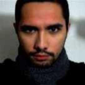Retrato de Héctor Bustos