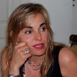 Retrato de Adriana Benzadon