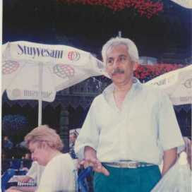 Enrique Bustamante