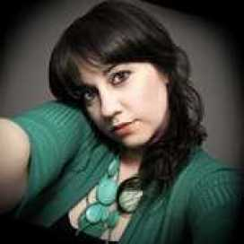 Retrato de Adriana Evelin Lara