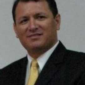R Ivan Robles R