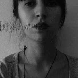 Retrato de Cláudia Lopes Acabado